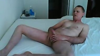 Kevin Yardlay masturbates for women from work