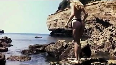 theSandfly Sexbites - Glorious Beach Blonde Satisfaction!