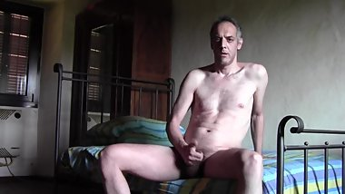I WAKE UP NAKED AND CUM A LOT FROM A FRIEND'S BED WITH HARD AND HAIRY COCK