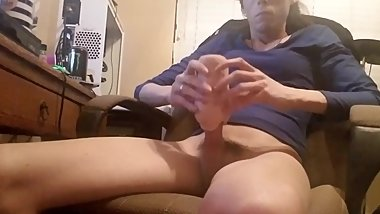 Masturbating with toy then cumming.