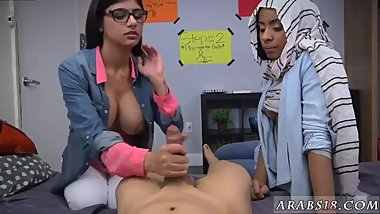 Arab maid BJ Lessons with Mia Khalifa