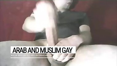 No tricks with Tarek's dick. Gay tourists enjoy this Arab gay Tunisian stud