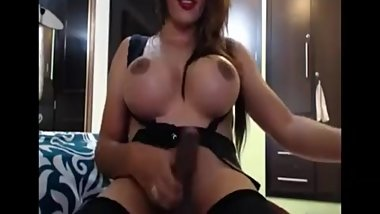 Bimbo shemale with huge cock masturbates on cam